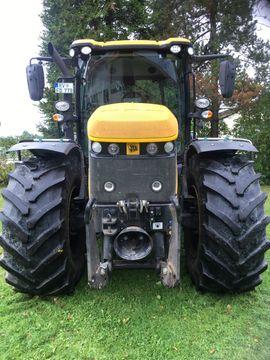 Traktoren, Landwirtschaftliche Fahrzeuge - JCB 4220