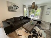 Neuwertiges Big-Sofa inkl Hocker und