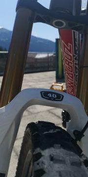 Downhillbike Santa Cruz V10