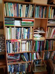 Umfangreiche Büchersammlung