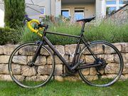 Hochwertiges Canyon Alu-Rennrad mit Carbongabel