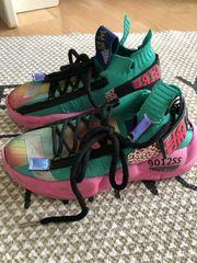 verschiedene Schuhe Adidas convers Mädchen