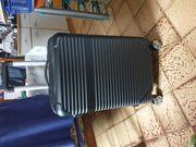 Koffer mit 4 Rollen 1