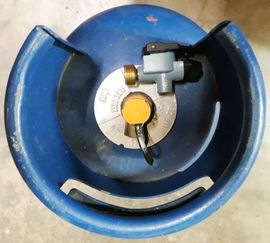 7 kg blaue englische Butangasflasche: Kleinanzeigen aus Nürnberg Rechenberg - Rubrik Campingartikel