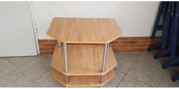 Fernseher Tisch