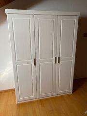 Schrank - Kleiderschrank - Holz - weiß - neuwertig -