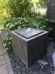 Brunnen Stein Garten Wasserspiel Springbrunnen