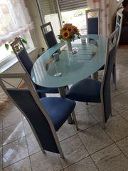 Glastisch mit 6 Stühlen fürs