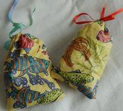 2 Duftsäckchen gefüllt mit Lavendel Schrank-Wohnungsduft
