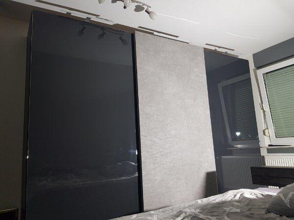 Kleiderschrank Anthrazit mit LED Kleiderlift