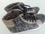 Coole Sneakers Totenkopf Gr 36