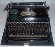 Schreibmaschine Erika mit Koffer und