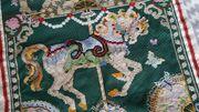 Karussell Pferd handgestickt Wandbehang donna
