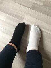 Getragene Socken schwarz weiß Duftsocken