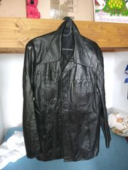 4 verschiedene schwarze Lederjacken zu