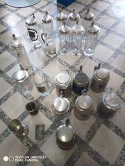 22 Zinnkrüge Zinnbecher Glaskrüge mit