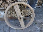 Riemenscheibe aus Holz zur Dekoration