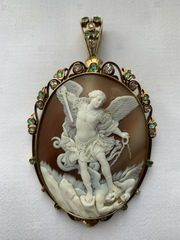 Antike Gold Kamee mit Smaragden