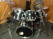 Tama Schlagzeug Swingstar umfangreiches Zubehör