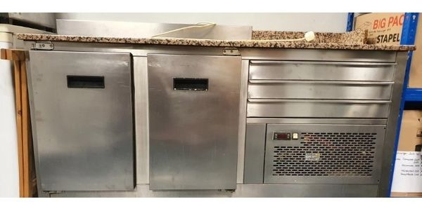 Saladette Edelstahl mit Marmorplatte an
