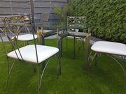 Edler Esstisch mit vier Stühlen