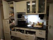 Einbauküche cremefarben altweiß