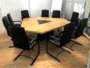 Konferenztisch mit 9 Lederstühlen