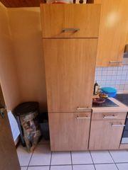 Einbaukühlschrank mit Küchenschrank
