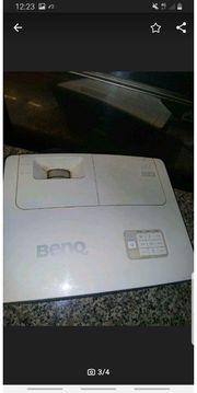 BenQ W 700 beamer