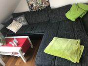 Couch mit Couchtisch