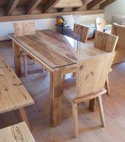 Tische aus Altholz nach Maß -