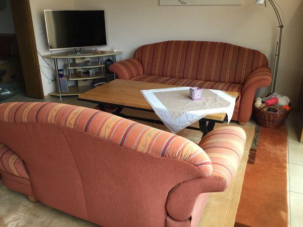 Couchgarnitur mit Teppich