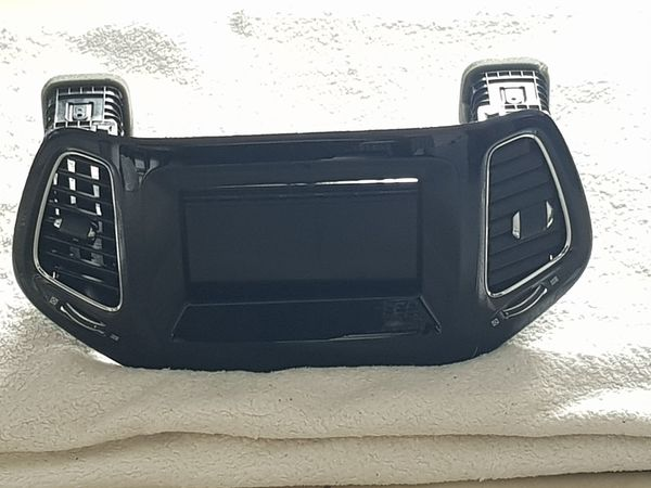 Jeep-Compass 2017 7 0 Autoradio
