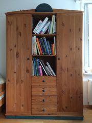 Massivholzschrank für Kinderzimmer