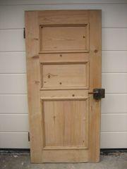 Eine alte Zimmertüre Vollholz mit
