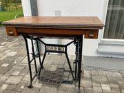 Nähmaschine Tisch