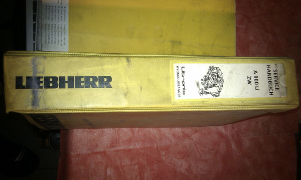 Diverse Betreibs-Wartungsanleitungen von LIEBHERR