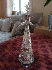 Weihnachts-Deko mit Teelicht und rotierender