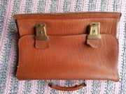 alte Aktentaschen Schultaschen
