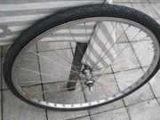 Fahrradreifen mit Zahnkränzen