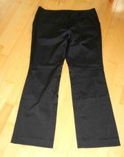 NEUWERTIGE schwarze leicht glänzende Stoffhose
