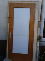 Zu Verschenken Tür mit Rahmen