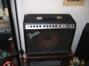 FENDER USA ROC-PRO 700 Gitarren