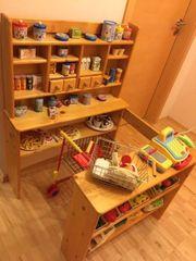 Toller Kinder - Kaufladen aus Holz
