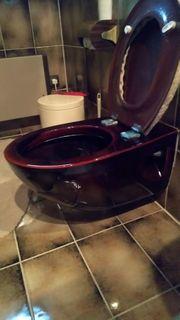 WC freihängend in braun dringend