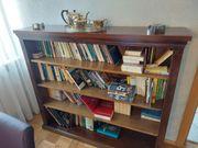 Holz-Bücherregal aus den 40er Jahren