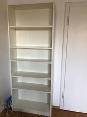 weißes schönes IKEA Regal