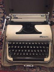 Olympia SM3 Reiseschreibmaschine 50er Jahre