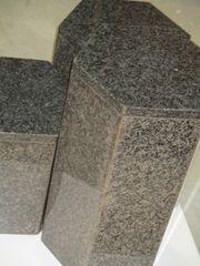 Granit-Säulen