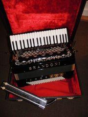 Spitzen Akkordeon BRANDONI Mod 133